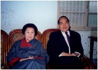 1988年婆婆與公公合影於南港中研院宿舍