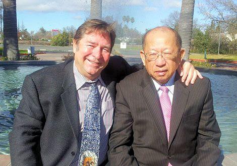 麥可威廉斯和陳榮良醫師