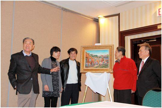 台美歷史協會2014年會 藝術家邵來成家屬捐贈油畫「担肥」