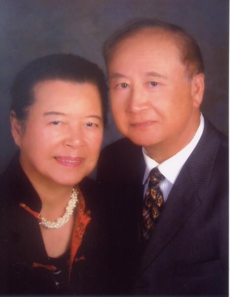 Jay+Helen 盧主義伉儷近影