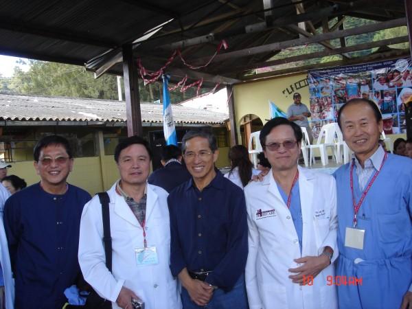 馬雅的呼喚Px 11 歐鴻鍊大使、歐鴻仁、歐鴻康、林瑞光與筆者整裝待發
