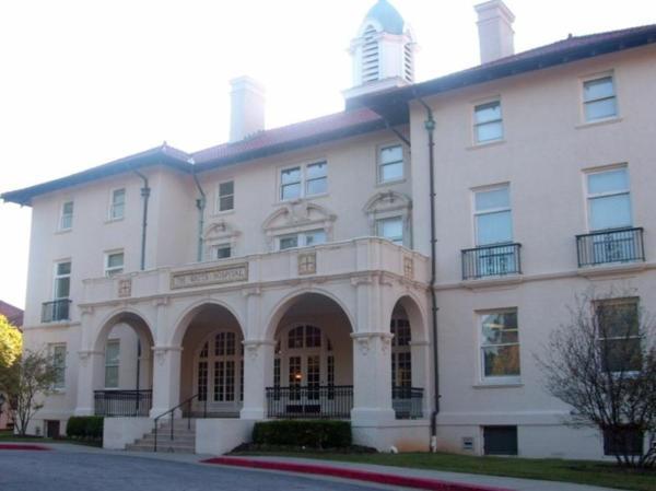 當年的華茲醫院(照片取自Watts Hospital網站