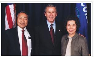 許忠政夫妻與布希總統