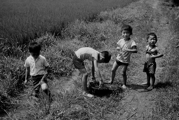 08.摸蛤仔-2 1976